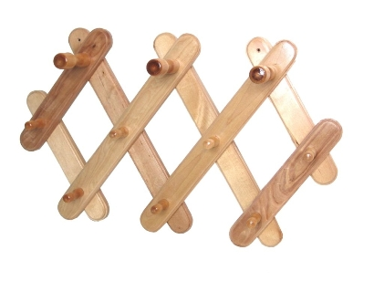 Как сделать вешалку из дерева для бани 19